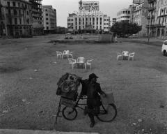 Kaak seller, Place des Canons  Beirut, 1991, from the series Beirut City Centre, 1991,  courtesy the artist
