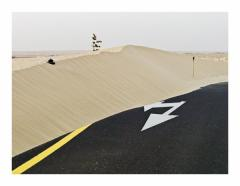 Yellow line, aus der Serie Desert Spirit, 2007 – 2010, Inkjet Print on Hahnemühle Fine Art Paper 60 x 80 cm, Courtesy of the artist and Galerie Philippe Chaume, Paris
